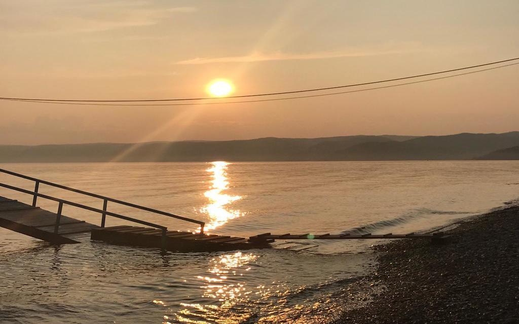 Spätestens beim Sonnenuntergang am Baikalsee wissen Sie, dass sich der lange Transsibtrip gelohnt hat