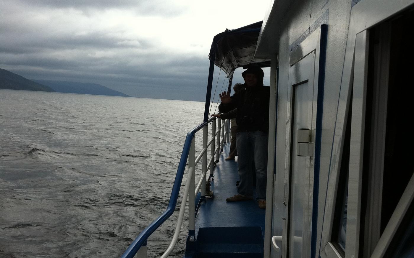 Schifffahrt am Baikalsee während einer Gruppenreise mit der Transsib