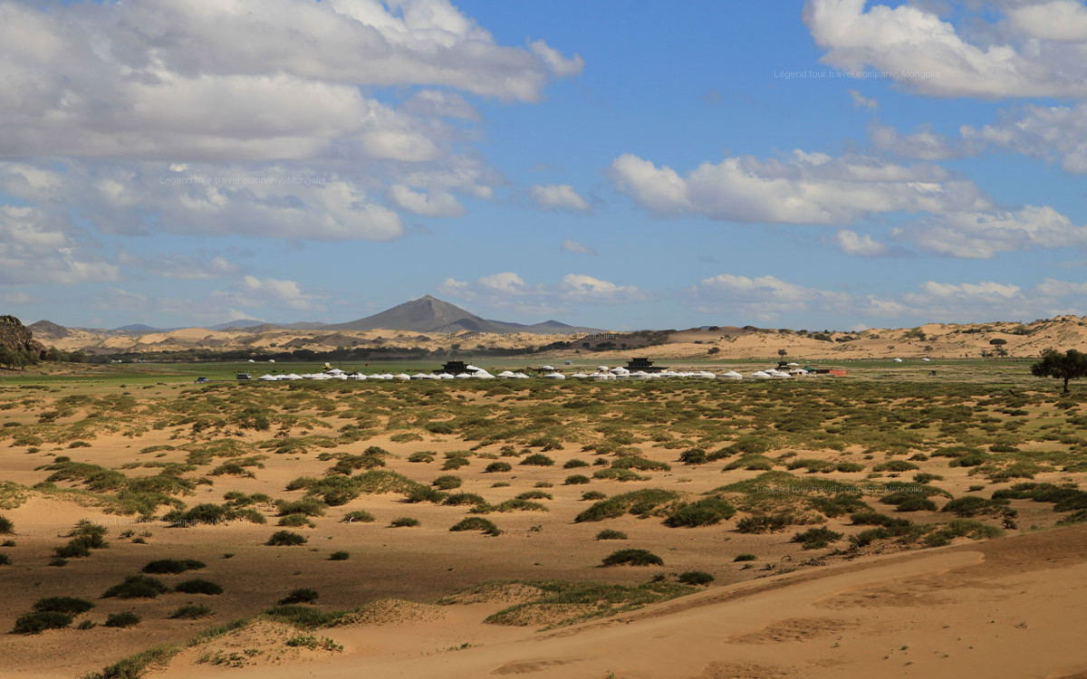 Übernachtung in einer mongolischen Jurte in der Wüste Gobi