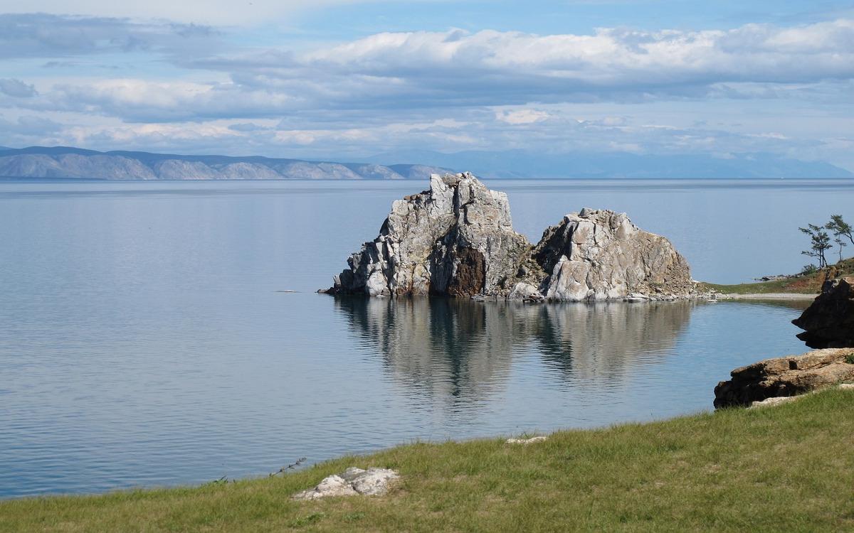 Der heilige Schamanenfelsen auf der Insel Olchon