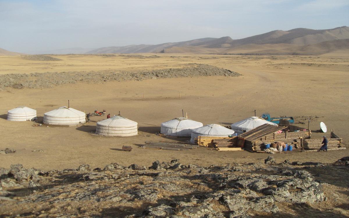 Jurtencamp auf der Wüste Gobi